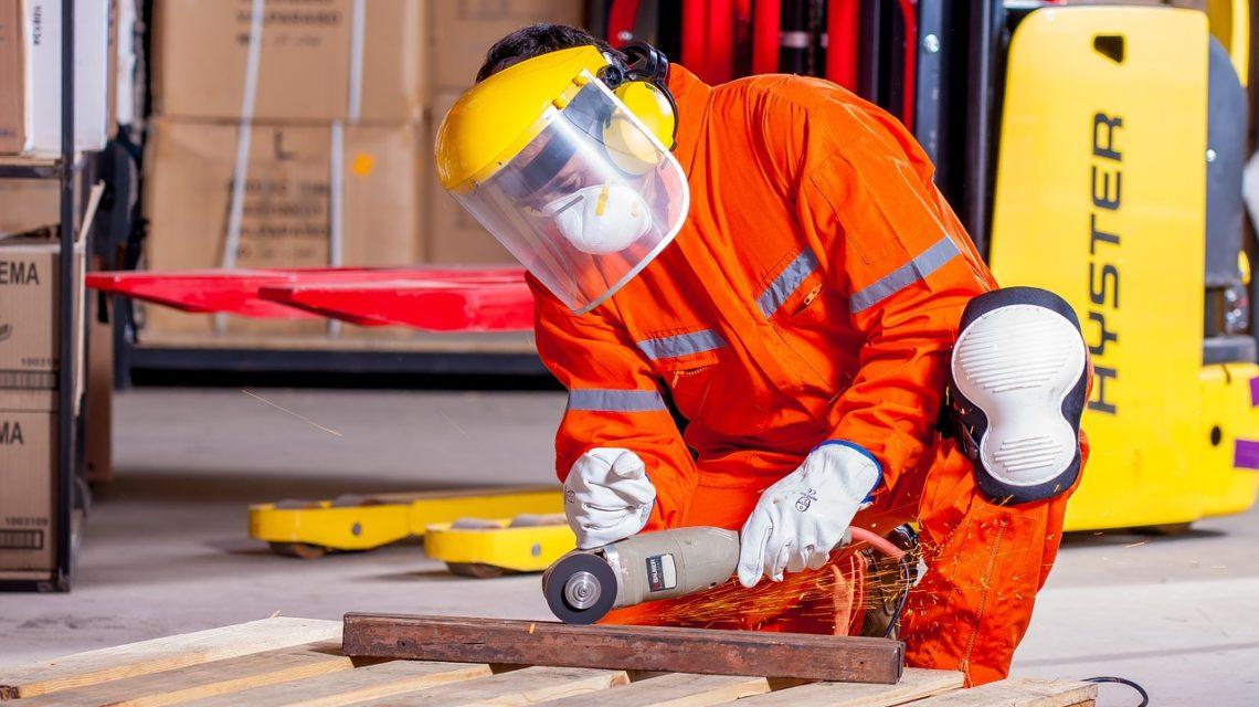 Trabajar en una industria con sustancias irritantes puede provocar sabor metálico