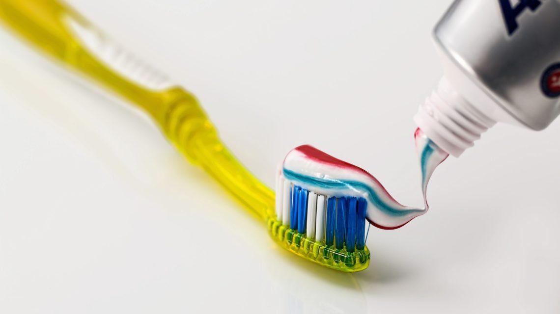 cepillo dental pasta dientes